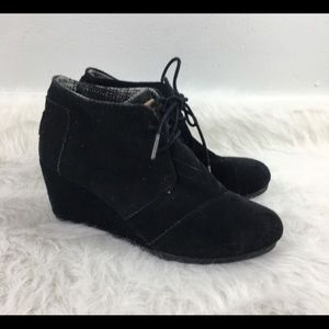 Size W6.5 Black Suede Toms Wedges